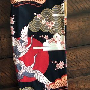 Gorgeous Asian inspired leggings- Lularoe